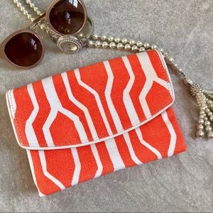 🆕NWT Orange & White Summer Clutch